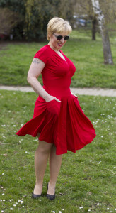 červené šaty 2